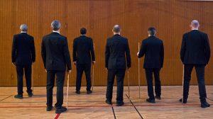 Les bâtonnistes en pleine répétition samedi soir (photos: Hervé Thouroude)