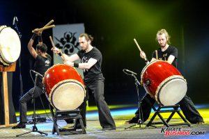 L'équipe de Taiko ouvre le 33ème Festival des Arts Martiaux en musique