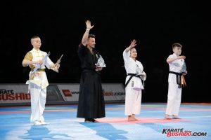 Les participants au 8 ème Challenge Bruce Lee reçoivent leur prix