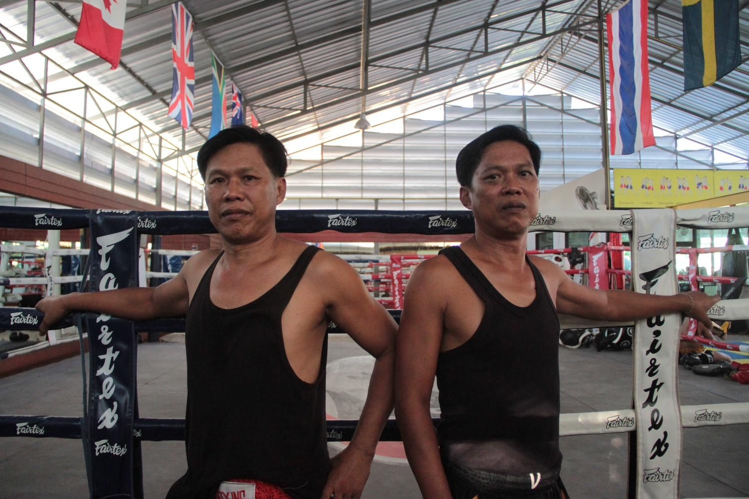 the-fighting-twins-of-muay-thai